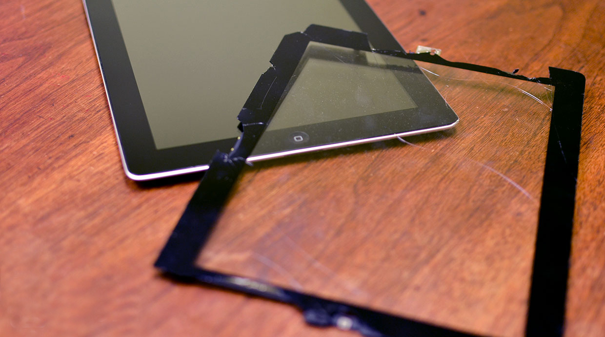 How-to-replace-a-cracked-screen-on-an-iPad-2